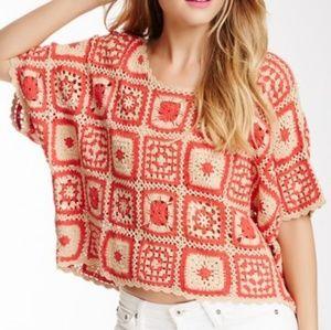 NWT MINKPINK Soul huntwr Crochet Tee   Size: S/M